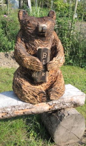 skulptur bär, kettensägenkunst