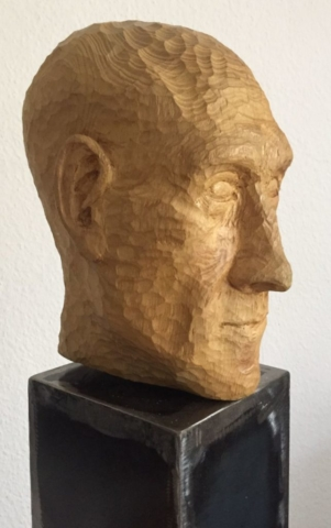 skulptur selbstbildnis, akazienholz